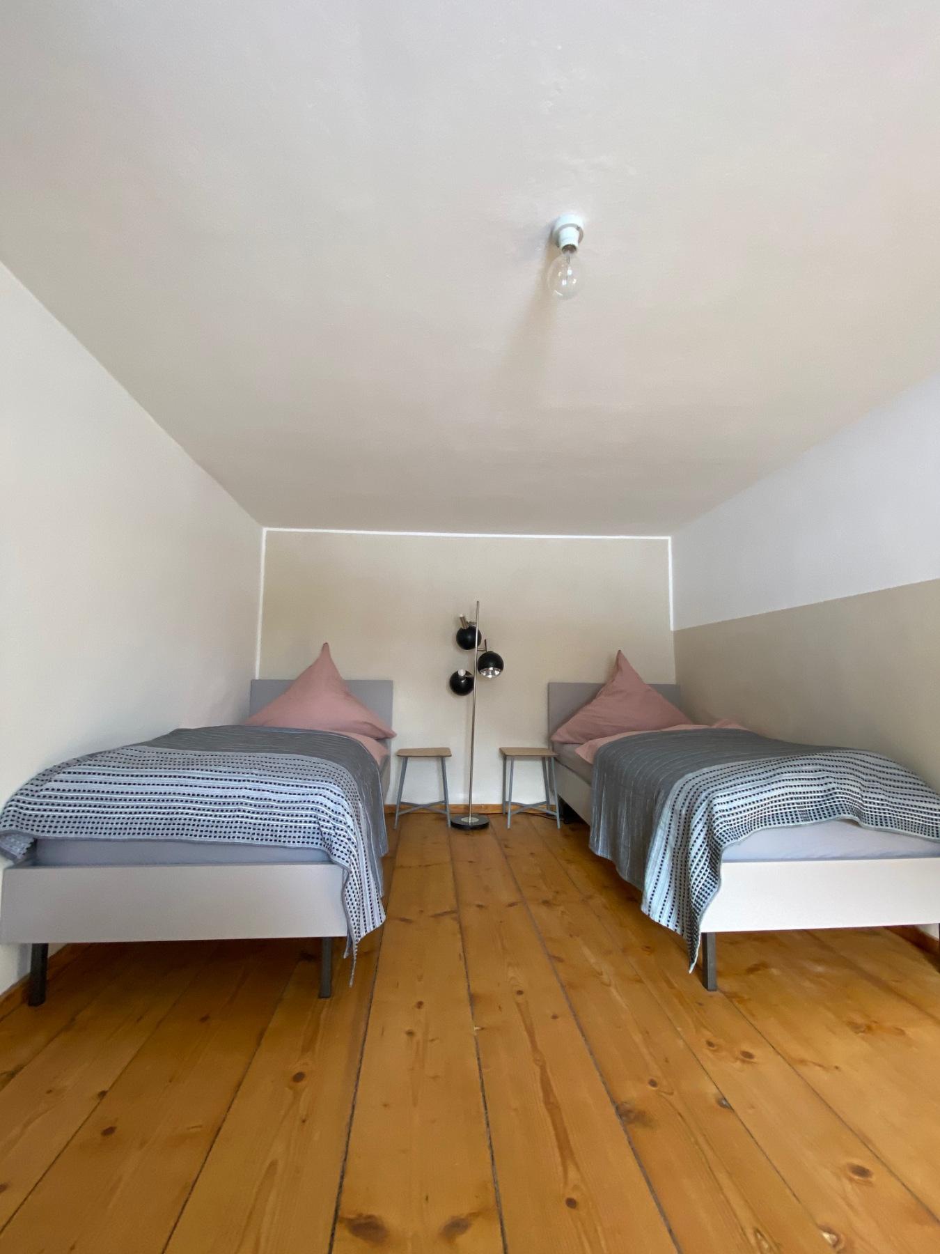 Zimmer mit zwei Einzelbetten 1. Stock